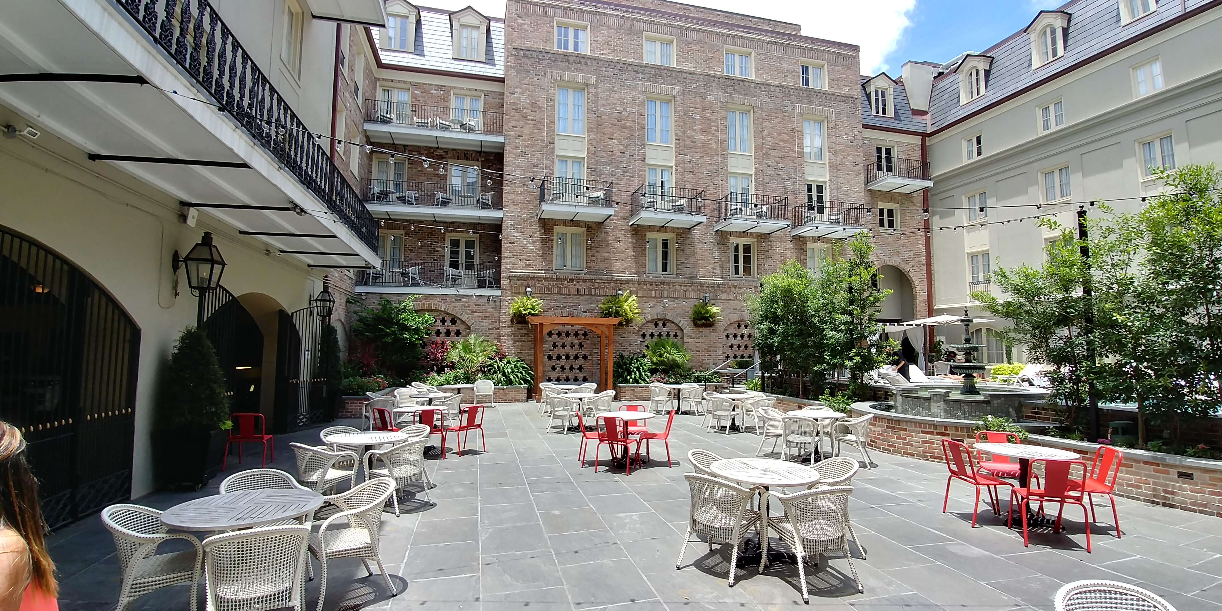 Courtyard at Maison Dupuy in New Orleans